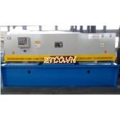 Máy cắt tôn thủy lực QC12Y- 16/4000
